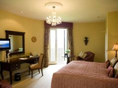 Lough Erne Resort | Fermanagh Hen Party | 5 Star Hotel | Northern Ireland | Hen Party Ideas | Guest Room | Fermanagh Hotel