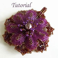 *P Everlasting flower pendant | JewelryLessons.com