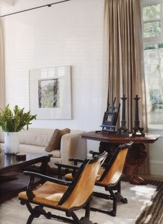 When homeowners invite guests and company into their home typically the first thing that visitors see is the living room, or family room, of the house. Unless there is a foyer before the living roo… Beautiful Living Rooms, Cozy Living Rooms, My Living Room, Living Room Interior, Living Room Furniture, Living Room Decor, Living Spaces, Furniture Sale, Beautiful Interior Design