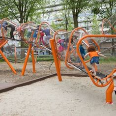 Winding play structure at Sloterplas, Osdorp district, Amsterdam. Click image for fully-illustrated description and visit the Slow Ottawa 'For Free' board for more people-friendly structures.