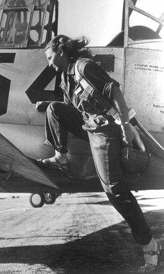WWII ....... FEMALE PILOT
