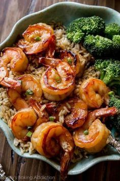 Easy, healthy, and on the table in about 20 minutes! Honey garlic shrimp recipe … Easy, healthy, and on the table in about 20 minutes! Honey garlic shrimp recipe on sallysbakingaddic… Healthy Dinner Recipes For Weight Loss, Healthy Snacks, Healthy Eating, Healthy Dinners, Dinner Healthy, Nutritious Meals, Healthy Things To Eat, Healthy Drinks, Simple Healthy Recipes