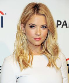 #AshleyBenson's California-cool blond waves at #PaleyFest had us dreaming of #Summer sun.