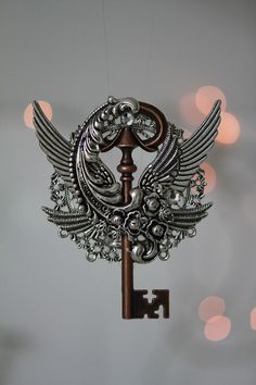 There has to be a key as well! Key to the Garden of Eden Under Lock And Key, Key Lock, Antique Keys, Vintage Keys, Old Keys, Knobs And Knockers, Key Jewelry, Key To Happiness, Keys Art
