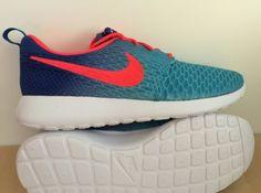 newest c64e4 f2602 Billig Nike Roshe One Flyknit Hvit Blå Rød Sport Sko · Runing ShoesNike  RosheNike FreeSneakers NikeRunning ...