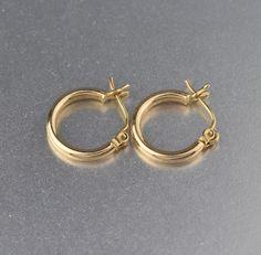 Vintage 14K Gold Half Hoop Earrings #Gold #intage #Earrings #14K #Vintage #Pearl #Peridot #Machine #Seal #Ecochic