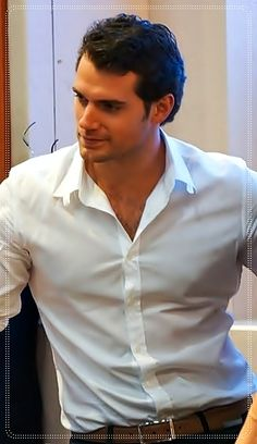 He wears clothes like he's doing them a favor... if he wants to do me a favor he can remove them... #henrycavill