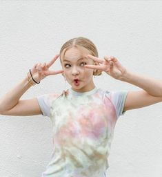 Maya, Dance Moms Girls, Young Cute Boys, Special Pictures, Famous Girls, Jojo Siwa, Teenager Outfits, Tie Dye, Cute Outfits