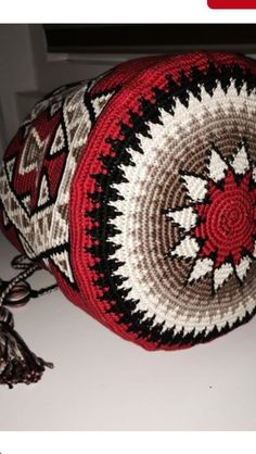 Love the colours! Mochila Crochet, Crochet Tote, Crochet Handbags, Crochet Purses, Crochet Chart, Crochet Stitches, Knit Crochet, Crotchet Bags, Knitted Bags