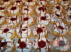 Shortcrust pastry cookies with meringue rings- Mürbeteigplätzchen mit Baiserringen When baking these cookies I will always … - Best Christmas Cookies, Christmas Party Food, Nougat Recipe, Mashed Potato Pancakes, Southern Buttermilk Biscuits, Loaded Baked Potato Soup, Soft Chocolate Chip Cookies, Shortcrust Pastry, Vanilla Sugar