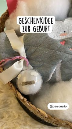 Diy For Kids, Crafts For Kids, Gift Packaging, Easy Crafts, Diy Gifts, Christmas Bulbs, Diy Projects, Baby Shower, Joy