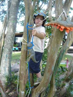 Playing & taking calculated risks with ropes ≈≈ Outdoor Classroom, A Classroom, Physical Play, Forest School, Take Risks, Preschool Kindergarten, Eyfs, Little Boxes, Outdoor Play