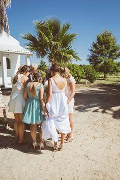 Prayer before walking down the isle Prayer, White Dress, Walking, Beautiful, Dresses, Fashion, Eid Prayer, Vestidos, Moda