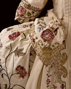 Mantua and petticoat, 1740-45, from the Victoria and Albert Museum