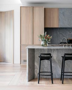 "430 gilla-markeringar, 4 kommentarer - @aboutsjb på Instagram: ""The Young & Loftus Display Suite feels like home. . #interiors #kitchens #paradisostone #joinery…"""