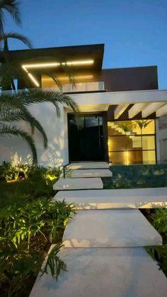 Minimal House Design, Best Modern House Design, Modern Exterior House Designs, Dream House Exterior, Dream Home Design, Modern House Facades, Modern Architecture House, Modern House Plans, Glass House Design