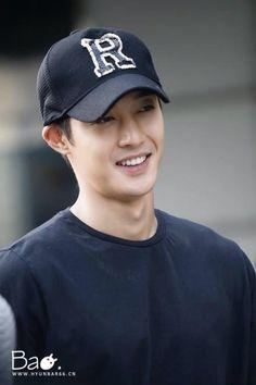 great guy =D Asian Celebrities, Asian Actors, Korean Actors, Boys Before Flowers, Boys Over Flowers, Pretty Men, Gorgeous Men, Brad Pitt, Leonard Dicaprio