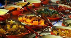 Comida mineira: frango com quiabo, costelinha com aipim, banana da terra frita, carne seca com abóbora...hummmmm