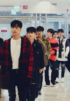 iKON Chanwoo Ikon, Kim Hanbin, Ikon Kpop, Ikon Debut, Ikon Wallpaper, Best Kpop, Tumblr Boys, K Idol, Ulzzang Boy