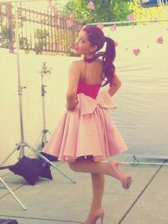 bow skirt <3