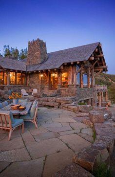 Muhteşem Tasarımı ve Eşsiz Manzarasıyla Ödül Almış Bir Dağ Evi: Sky Art Lodge