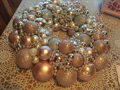Ornament Wreath, Ornaments, Wreaths, Home Decor, Xmas, Decoration Home, Door Wreaths, Room Decor, Christmas Decorations