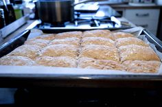 Langpannebrød med havregryn Norwegian Food, Norwegian Recipes, Food And Drink, Cooking Recipes, Yummy Food, Lunch, Baking, Snacks, Eat