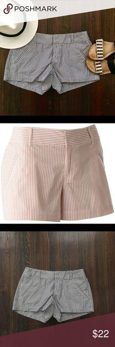 "Lauren Conrad striped shorts EUC! No signs of wear. Measurements laying flat: Waist: 14.5"" Inseam: 3"" Rise: 8"" LC Lauren Conrad Shorts"
