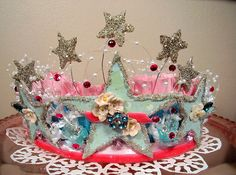 This beautiful handmade crown was made by Hollydoodle. Image via holiday_jenny photostream.