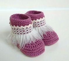 Patucos bebé en crochet. 100% lana merino. x