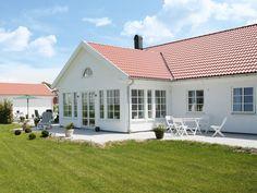 Herrgården är ett hus i klassisk lantlig stil. Bygg hus som förverkligar drömmen om en egen herrgård.