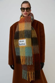 Acne Studios chestnut brown/yellow/green fringed scarf is woven in multi check pattern and detailed with a logo patch. Outfits Otoño, Winter Outfits, Girly Outfits, Acne Scarf, Color Checker, Head Scarf Styles, Cashmere Shawl, Checked Scarf, Minimal Fashion