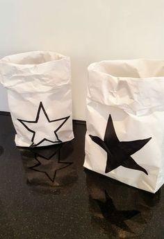 Met de boterhamzakken van Jumbo maak je de leukste mini paperbags. Je maakt ze met jouw tekst of print voor nog geen 0,025c per bag(je).