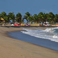 Dicas de Destino: Barra do Cunhaú (RN) reúne as belezas naturais da região como mar de águas cristalinas, rios, dunas, mangues e um dos principais diferenciais: a tranquilidade! Visite! Foto: @andandoporai
