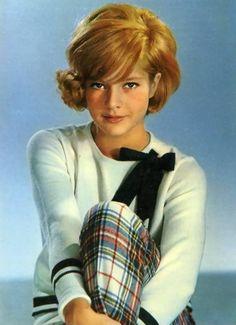 sylvie-vartan:    100 Favorite Pictures Sylvie Vartan - 19/100