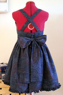Lolita dress tutorial: I just found something to make!