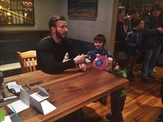 Chris Evan's meet-and-greet in Newburyport was an evening for the kids filled with funny children's banter, fangirling, and infant mishaps.