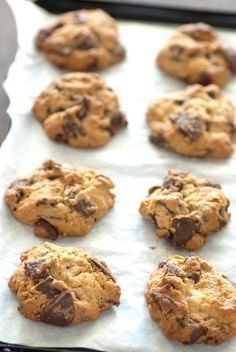 If you want to make your cookies ahead of time, there are a few tricks you can use to make sure that they're as good as ever when you're ready to eat. Sweet Recipes, Cake Recipes, Biscotti Cookies, Torte Cake, Sweet Cakes, Holiday Cookies, Chocolate Recipes, Chocolate Chip Cookies, Food And Drink
