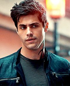 Matthew Daddario, Alec Lightwood, Animated Gif, Find Image, Love Her, Animation, Sexy, Animation Movies, Motion Design