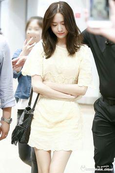 #Yoona #윤아 #ユナ #SNSD #少女時代 #소녀시대 #GirlsGeneration 160704 To Beijing