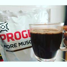 #bulletproofcoffee  Power  para começar bem a manhã! ____________________________________ Café orgânico coado sem açúcar1 colher de sopa de More Muscle sabor chocolate belga da @progenex_brasil 1 colher de sobremesa cheia de Óleo de coco1 colher de sobremesa cheia de Manteiga Ghee (já passei a receita aqui!) ____________________________________  Na real não existe nenhum material científico que comprove a eficácia do #bulletproofcoffee  MAS posso dizer que na MINHA experiência com diversos…
