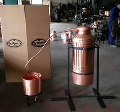 New 20 Gallon All Copper Italy Moonshine Still Copper Moonshine Still, How To Make Moonshine, Homemade Alcohol, Homemade Wine, Moonshine Kit, Moonshine Recipe, Beer Brewing, Home Brewing, Distilling Alcohol