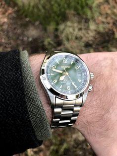 Casual Watches, Watches For Men, Seiko Mechanical Watch, Seiko Titanium, Seiko Alpinist, Seiko Automatic, Dream Watches, Gifts For Office, Seiko Watches