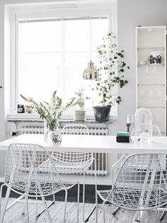 All white dining room and furniture - gorgeous monochrome design @pattonmelo