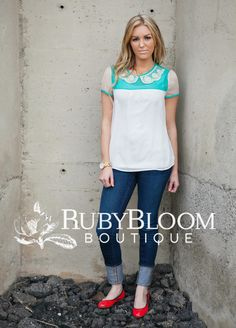 http://ruby-bloomboutique.com Fashion Peter Pan Collar