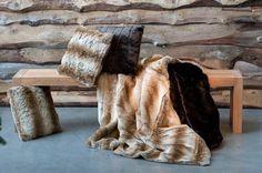 WILD THING műszőr párna farkas 45x45cm Throw Pillows, Blanket, Bedroom, Home, Toss Pillows, Cushions, Ad Home, Decorative Pillows, Bedrooms