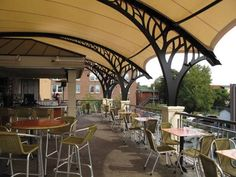 Bistro De La Gare Retractable Roof - International Achievement Awards