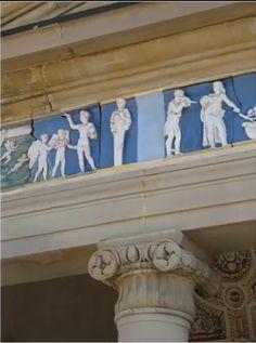 Villa Poggio a Caiano (Giuliano di Sangallo) The frieze, in glazed earthenware executed by Luca della Robbia, represents scenes reproducing antique iconographies. Renaissance Art, Art And Architecture, Florence, 19th Century, Villa, Statue, Italian Style, Renaissance, Fork