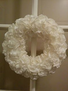 Suodatinpussi kranssi Burlap Wreath, Origami, Diy And Crafts, Christmas Crafts, Wreaths, How To Make, Vintage, Home Decor, Diy Ideas