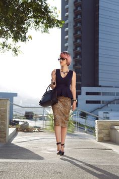 Animal Print & Peplum Skirt - Mexican Fashion Blog, Nancy Nannuck, Fall Trends 2014, Fashion Streetstyle, wearing Zara skirt, forever 21 shoes, pink hair.   #style #animalprint #fall #mexicanfashionblog